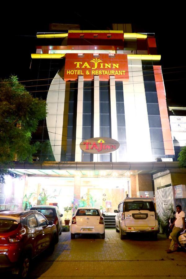 Отель  Отель  Taj Inn Hotel