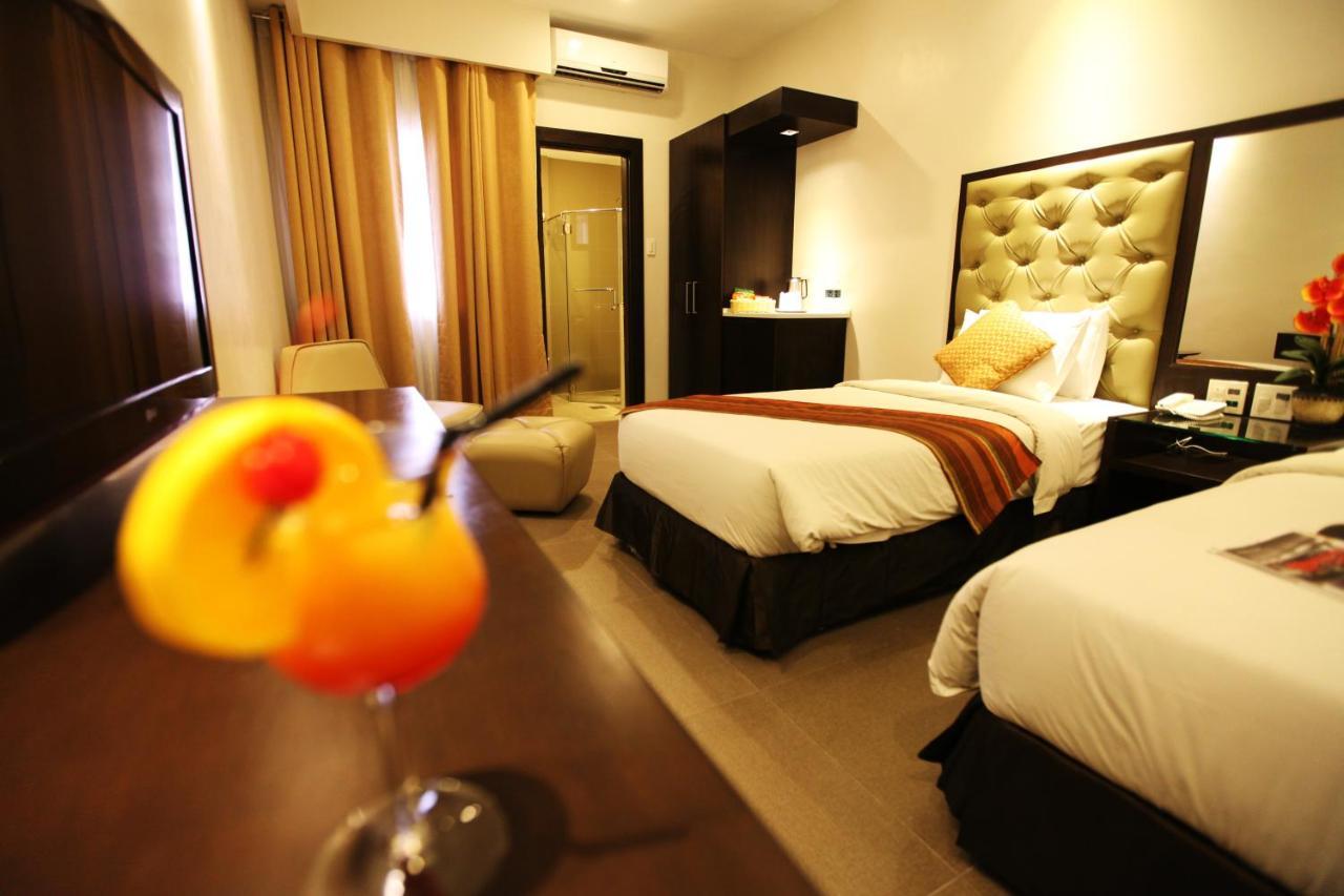 Отель  Отель  Castle Peak Hotel