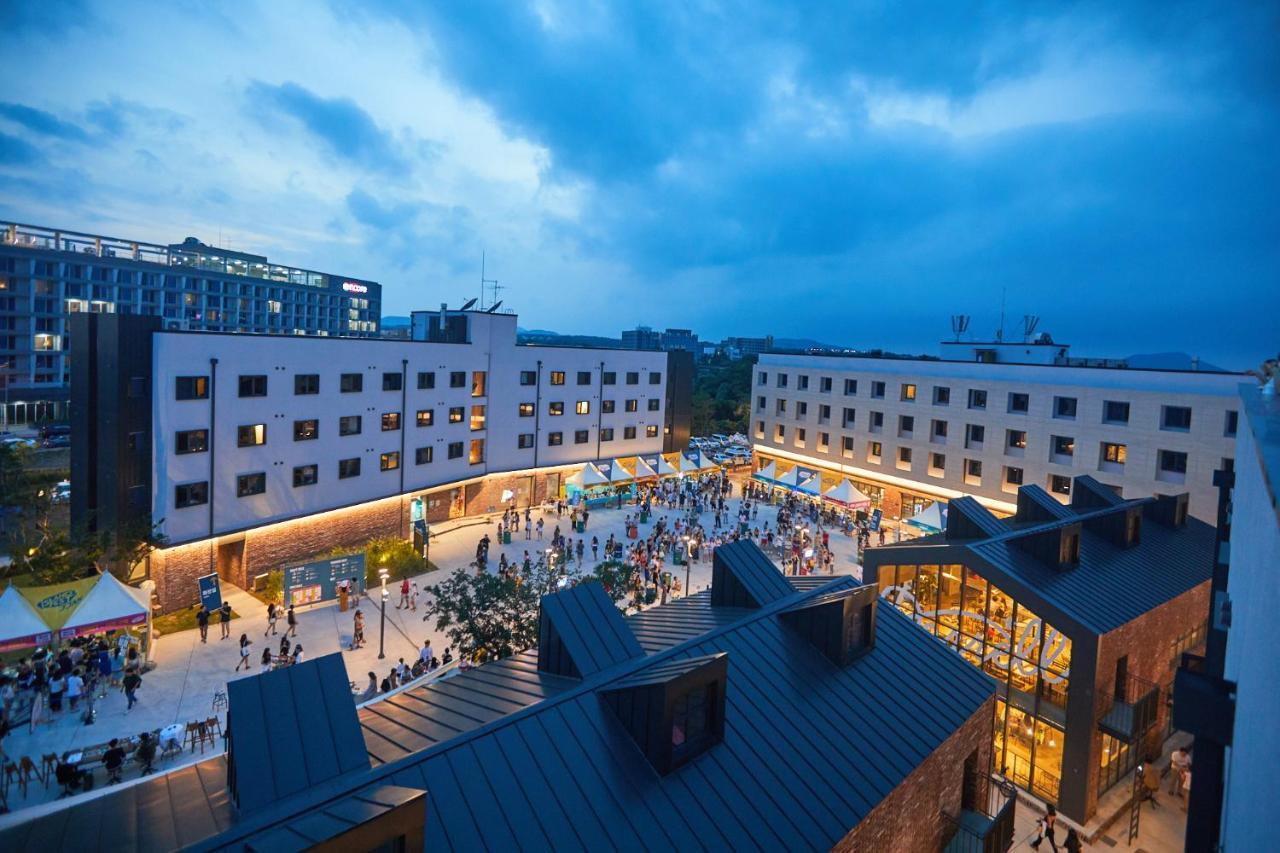 Отель  Playce Camp Jeju