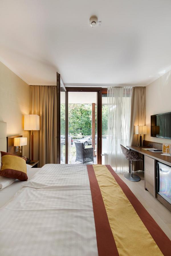 Фото  Отель  Hotel Sacher Baden