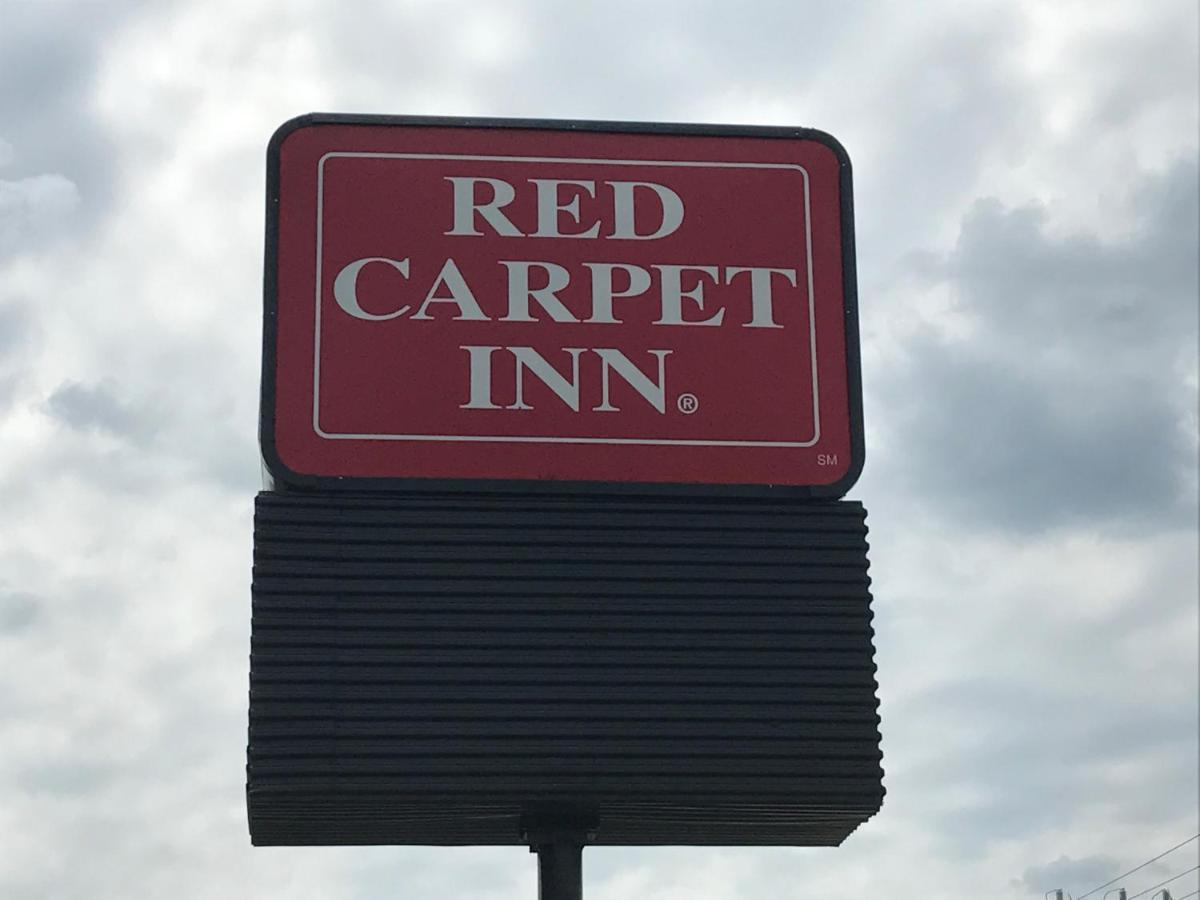 Мотель  Мотель  Red Carpet Inn, Alexandria