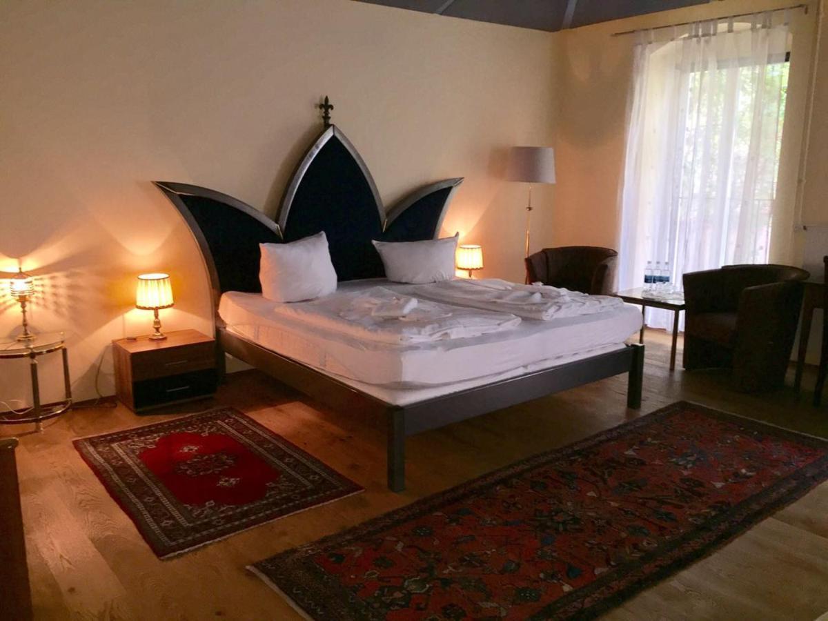 Отель типа «постель и завтрак»  Отель типа «постель и завтрак»  Pension Tempelhof