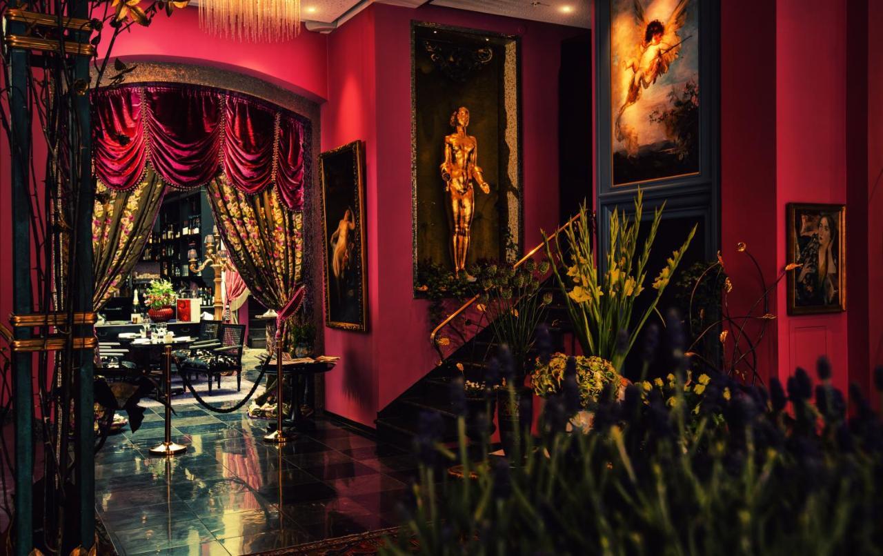 Отель  Отель  Dorsia Hotel & Restaurant