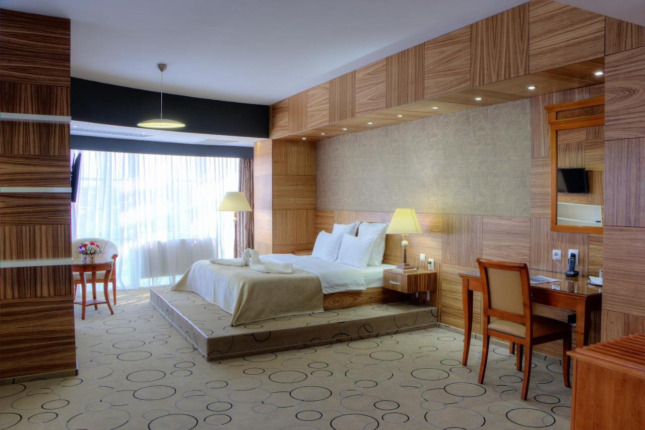 Отель  Отель  Hotel Oltenia