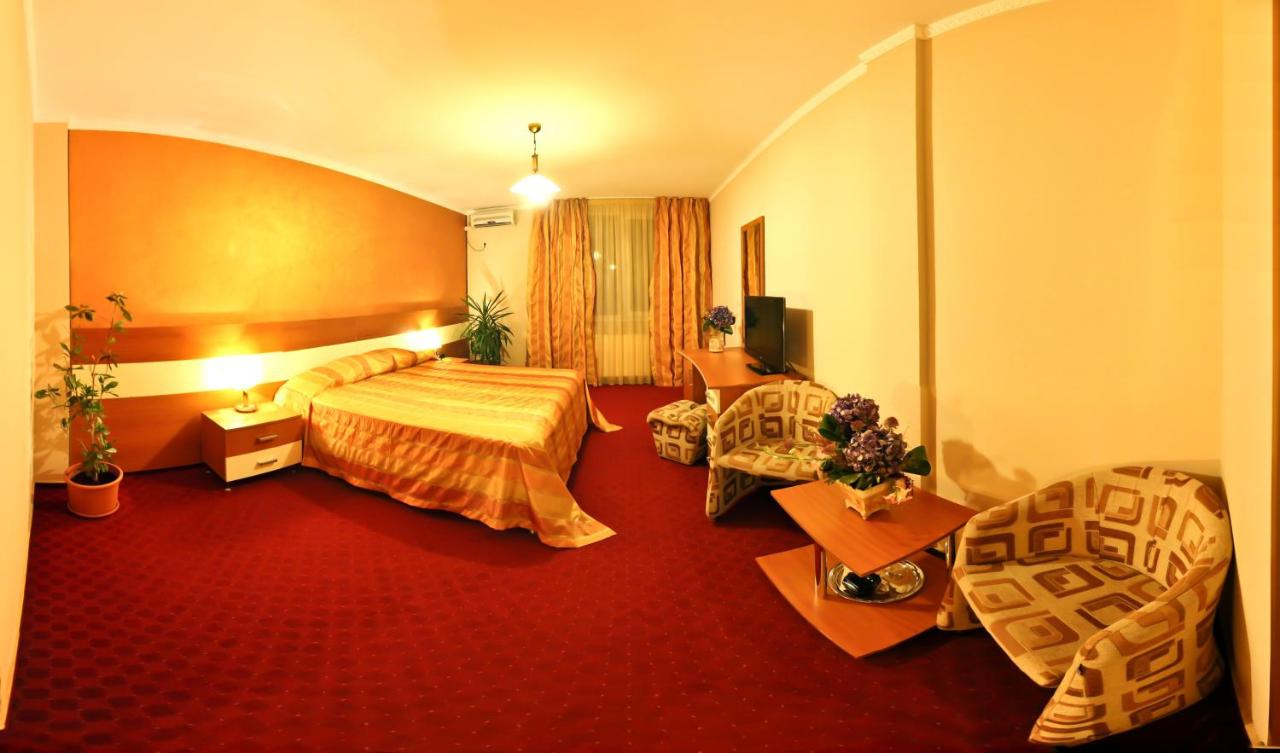 Отель  Отель  Hotel Andre´s