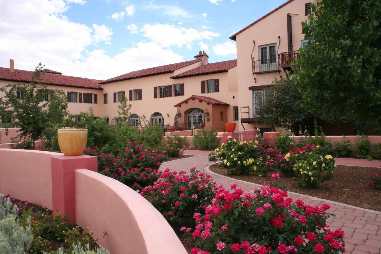 Отель  La Posada Hotel And Gardens