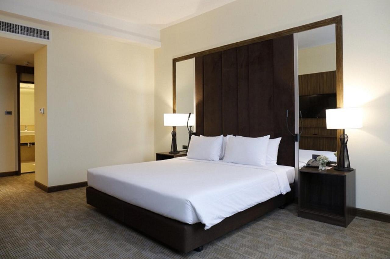 Отель  Louis Tavern Hotel  - отзывы Booking