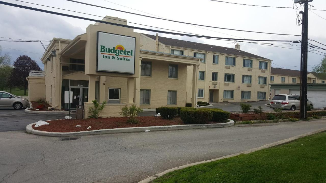 Отель  Budgetel Inn and Suites - Glen Ellyn  - отзывы Booking
