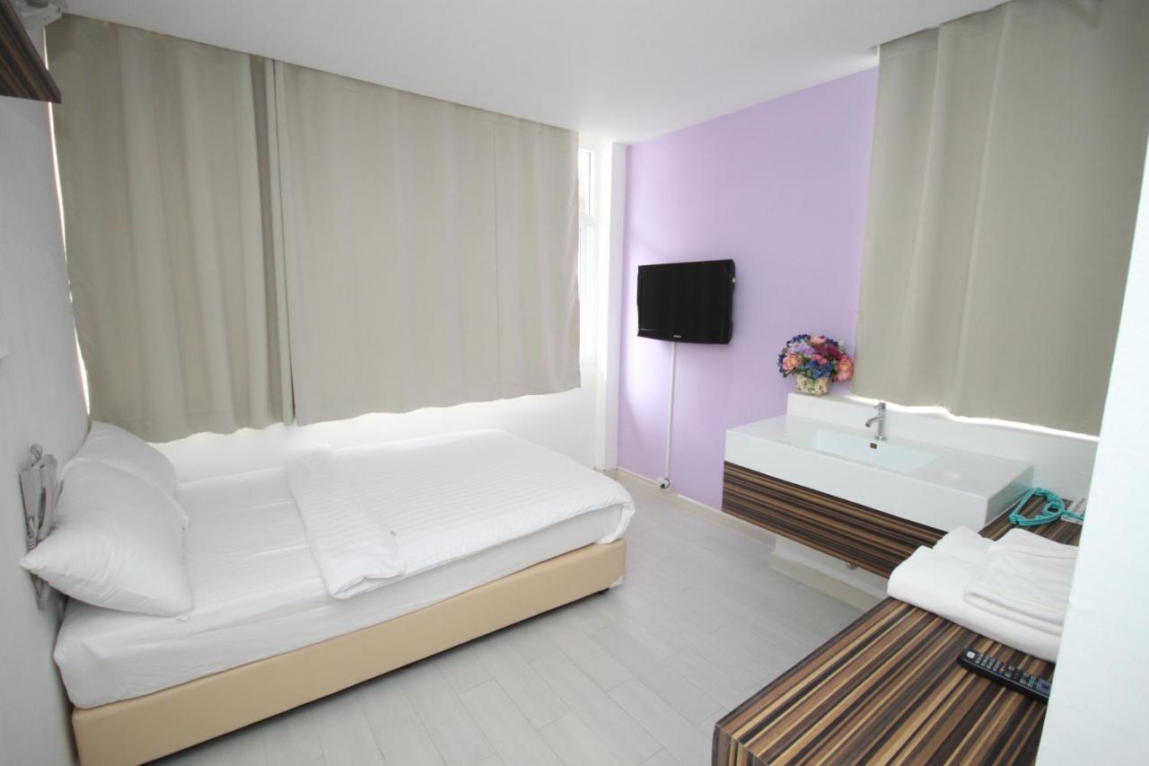 Отель  Nantra Ekamai Hotel  - отзывы Booking