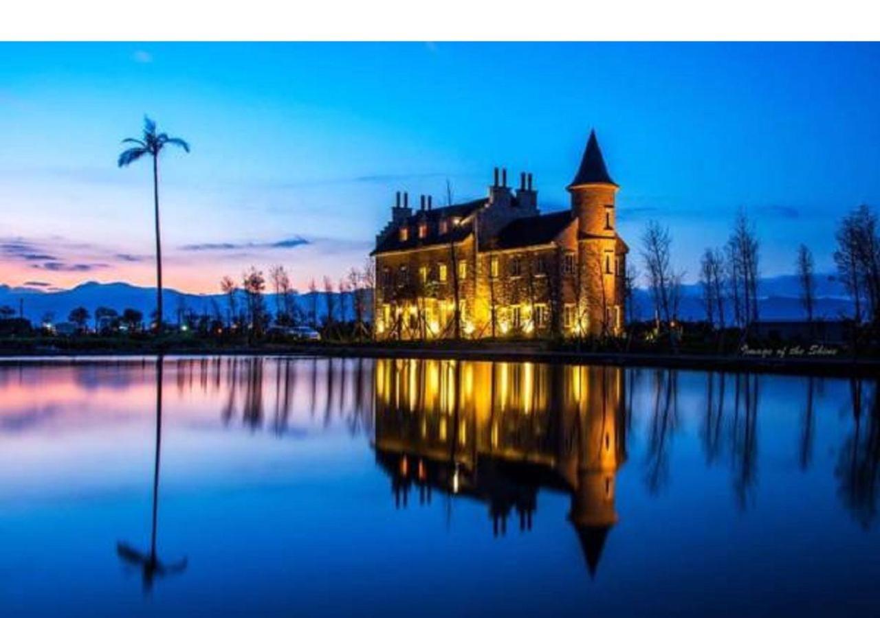 Проживание в семье  Chateau De France