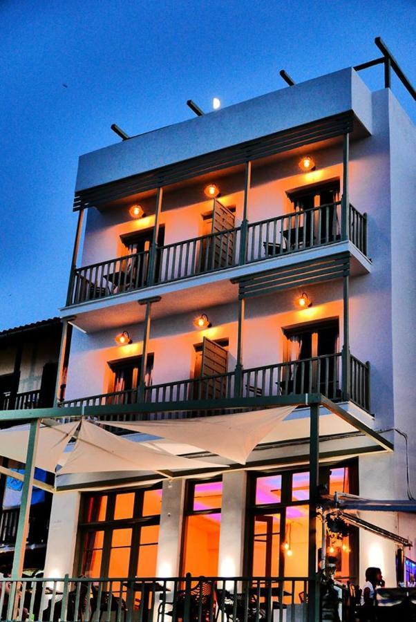 Гостевой дом  Akro Rooms