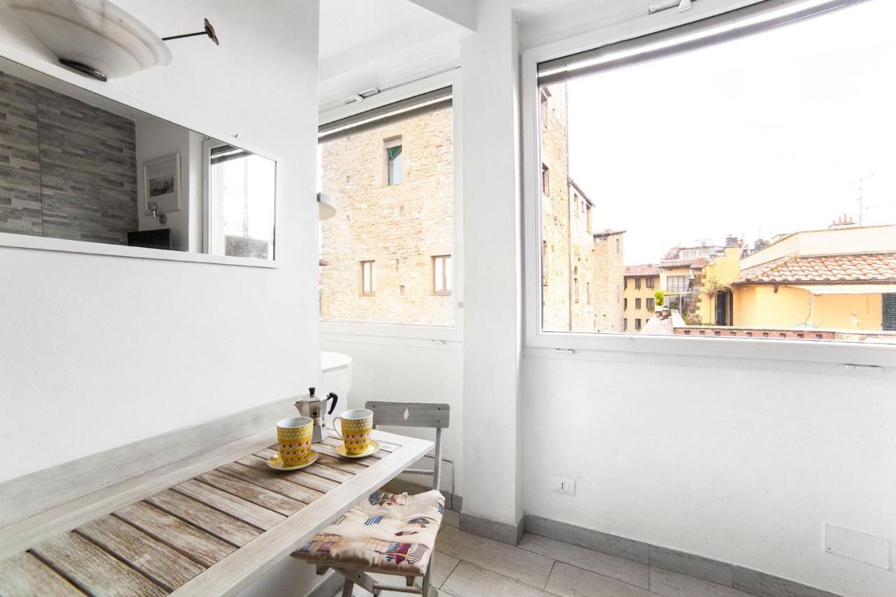 Apartment Studio Flat Ponte Vecchio, Florence, Italy