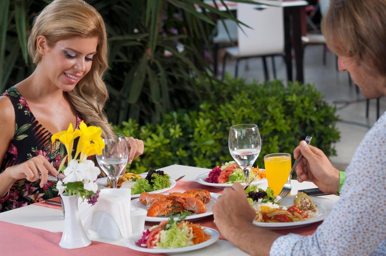 Hoteluri de familie in Antalya. Charter Antalya din Constanta
