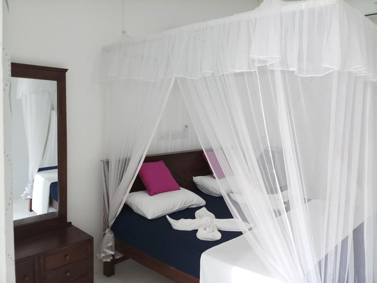 Отель  Turtle Bay Beach Resort at Sea Goggle  - отзывы Booking