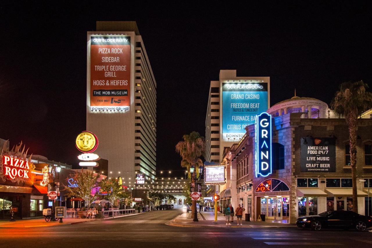 Отель  Отель  Downtown Grand Hotel & Casino