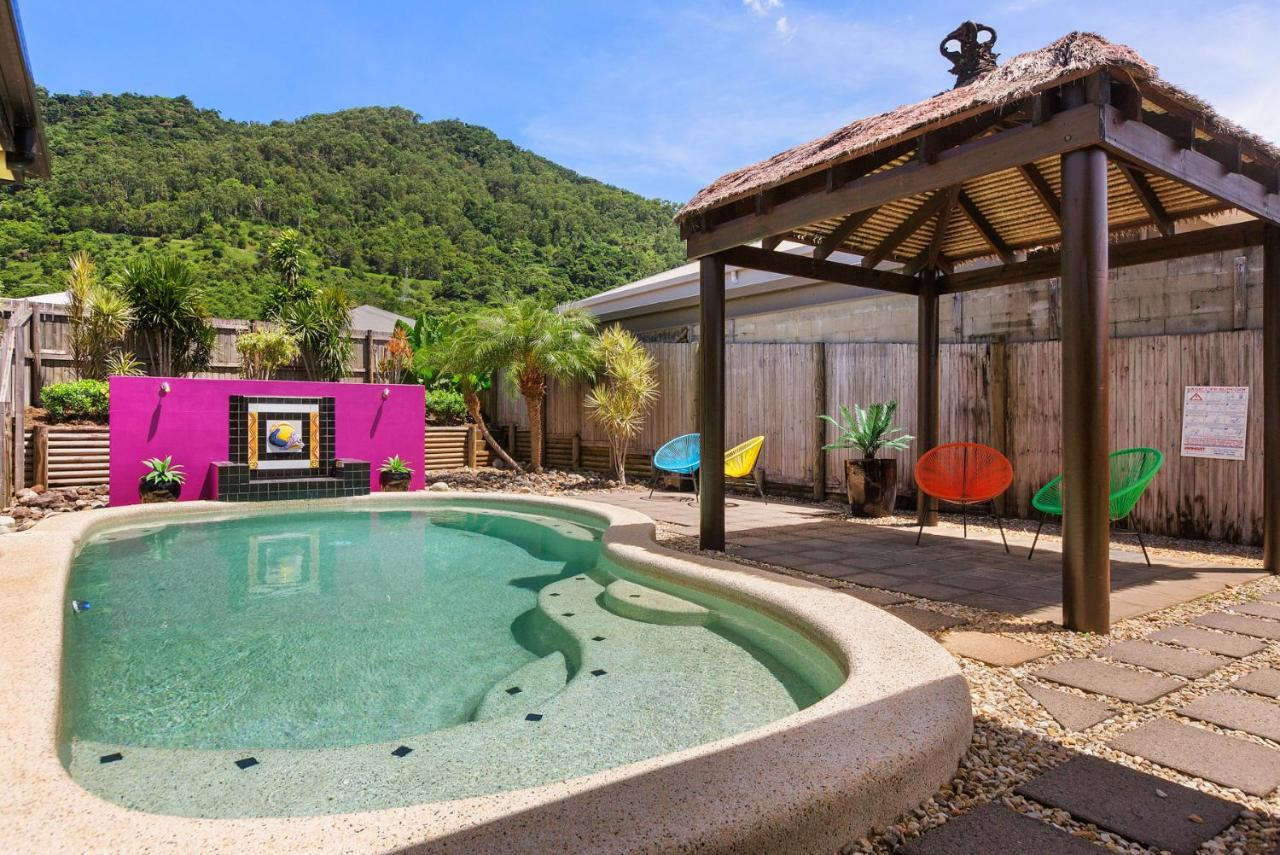 Дом для отпуска  Private Large Cairns Family Home, Rainforest Views