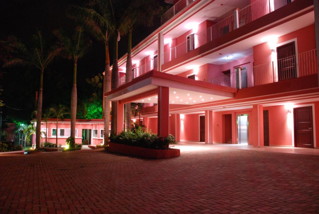 Отель  Hotel RDG