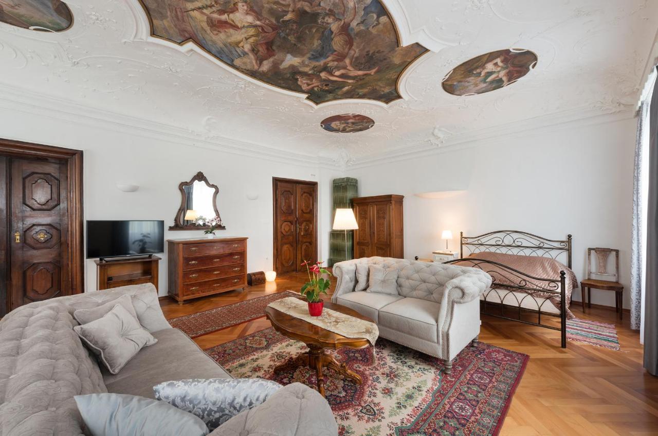 Codelli Deluxe Fresco City Centre App With Balcony Ljubljana Updated 2020 Prices