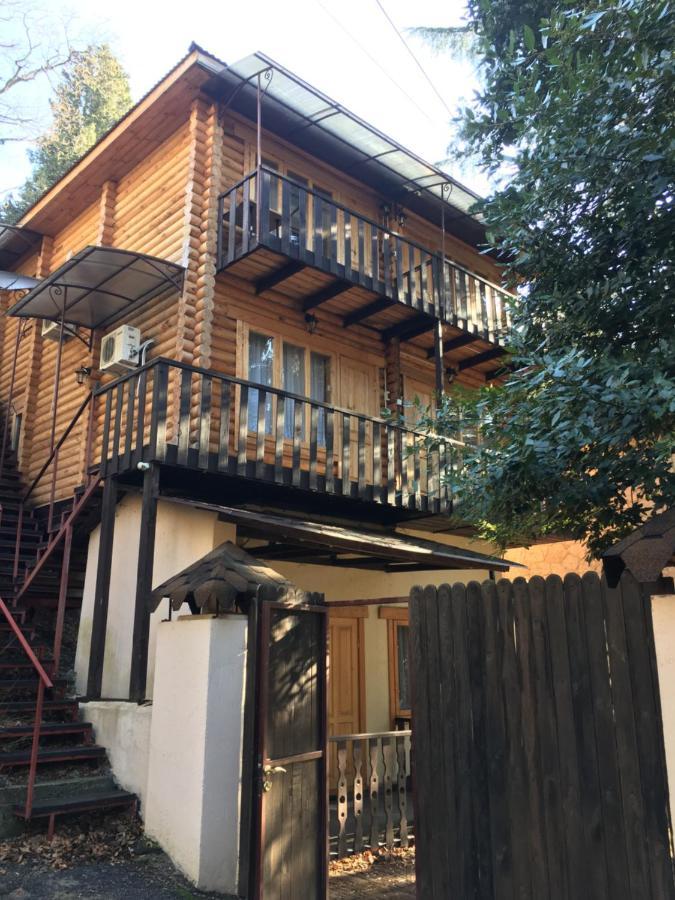 Гостевой дом  Ekologhichieski Chistyi Srub Guest House
