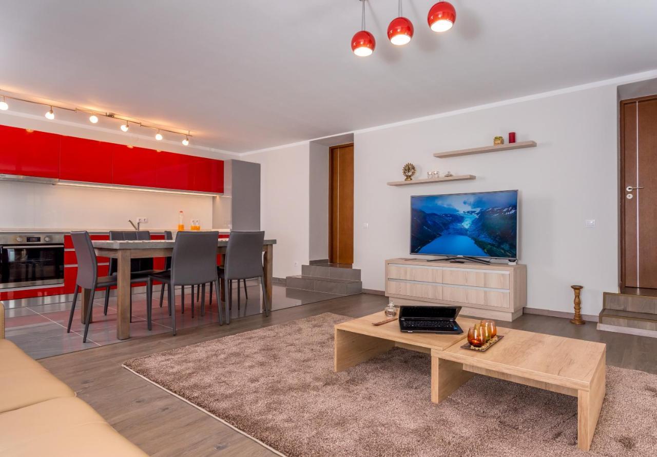 Фото  Апарт-отель Casa Nicolae Luxury Suites