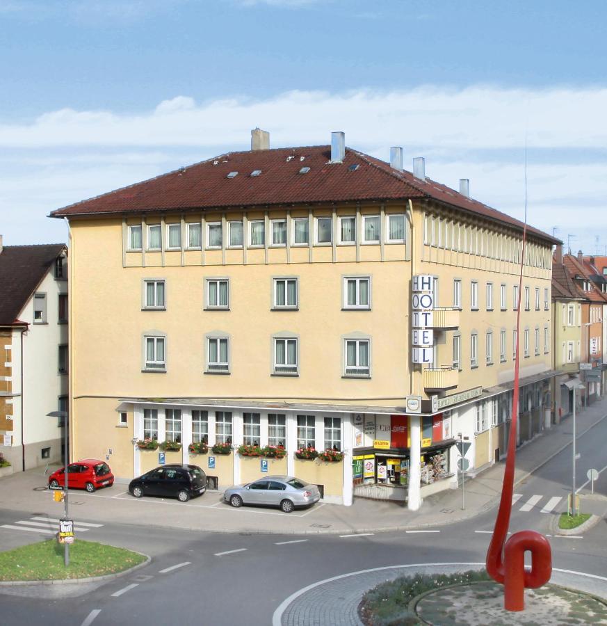 Отель  Отель  Hotel Goldener Hirsch