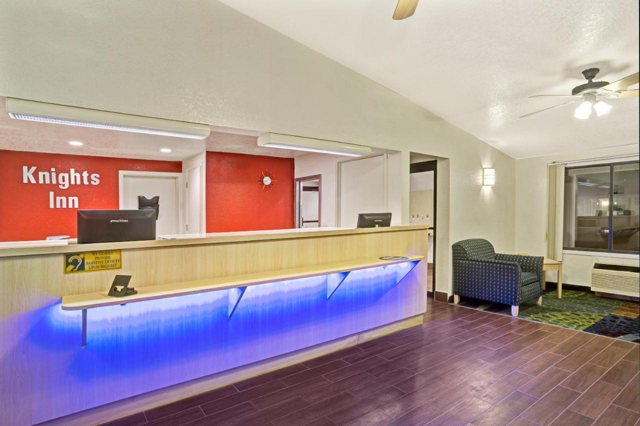 Отель  Отель  Knights Inn Jacksonville At Dix Ellis Trail