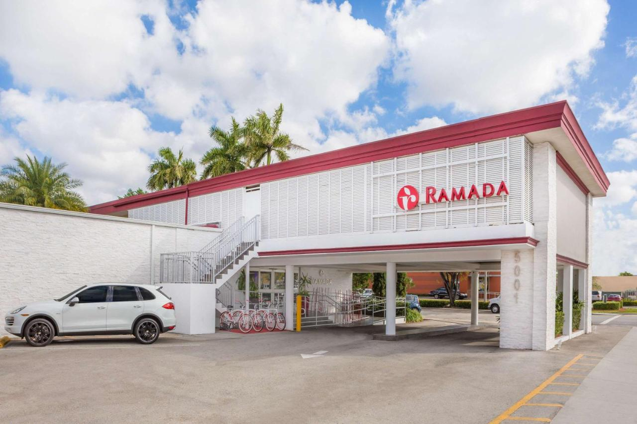 Отель Ramada By Wyndham Miami Springs/Miami International Airport