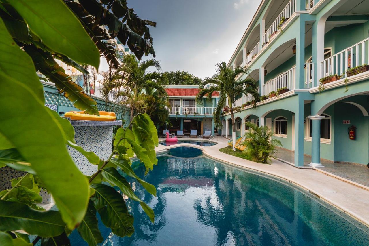 Отель Selina Playa Del Carmen