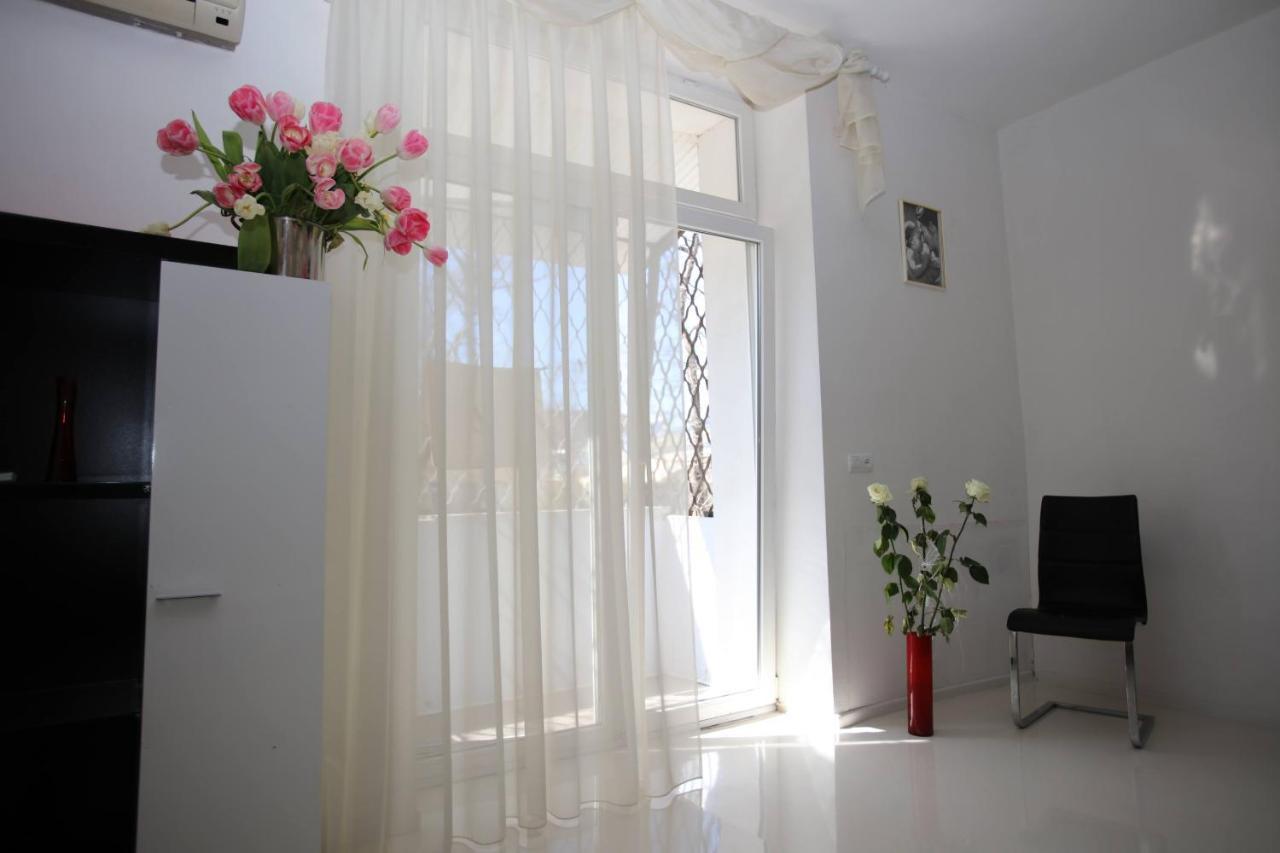 Апартаменты/квартира  Odessa Deribasovskaya Apartment