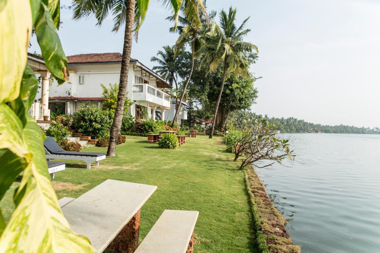 Курортный отель  Shikara Beach Resort  - отзывы Booking