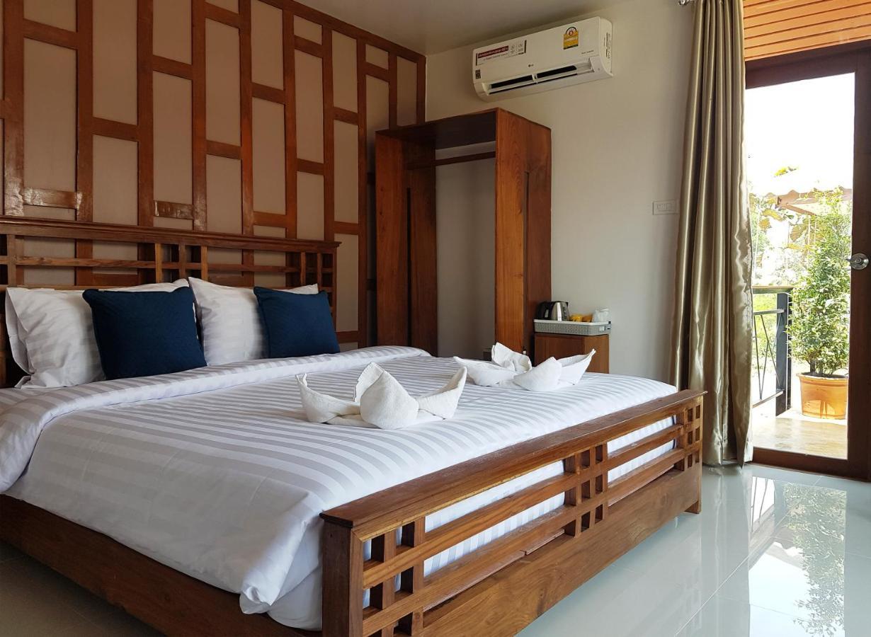Отель типа «постель и завтрак»  Slow Life Sabaidee Pai Bed and Breakfast  - отзывы Booking