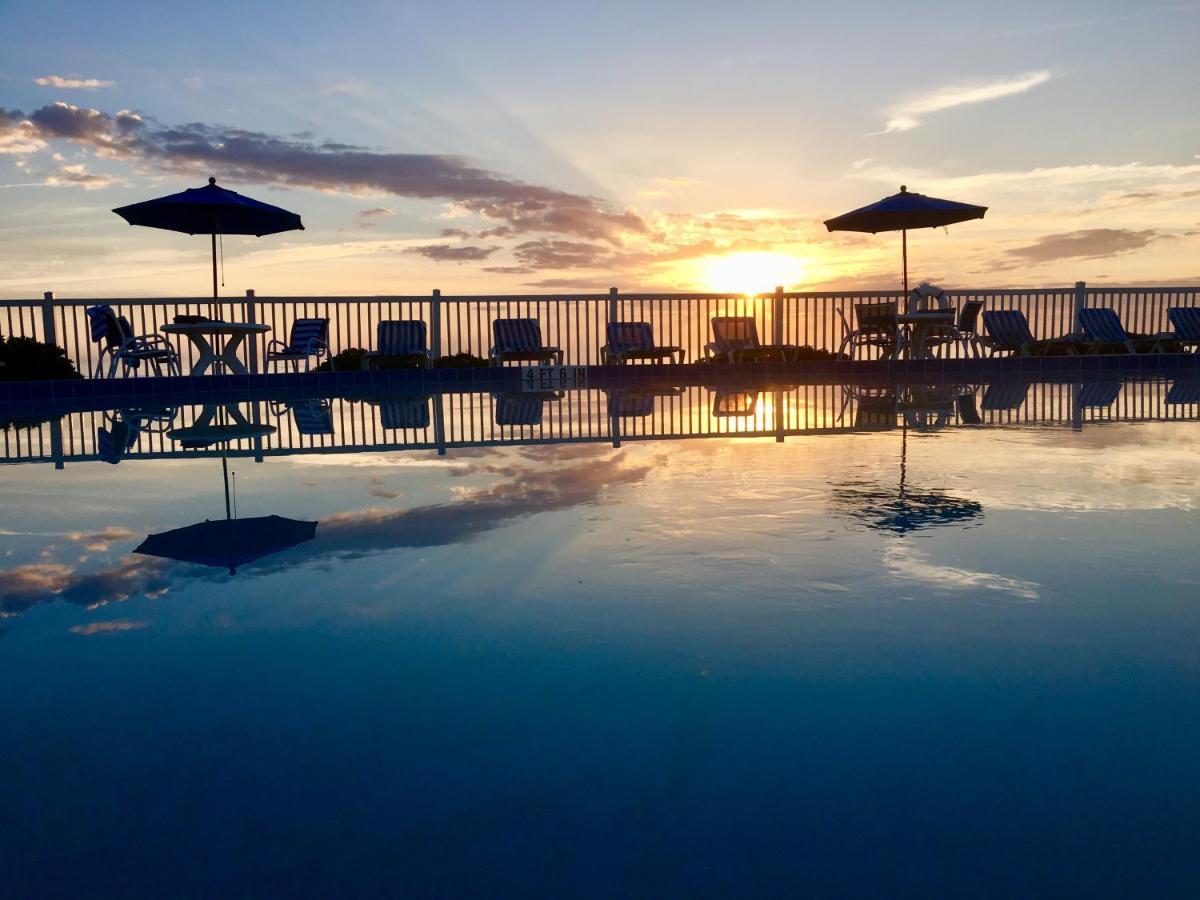 Курортный отель  Coral Sands Inn