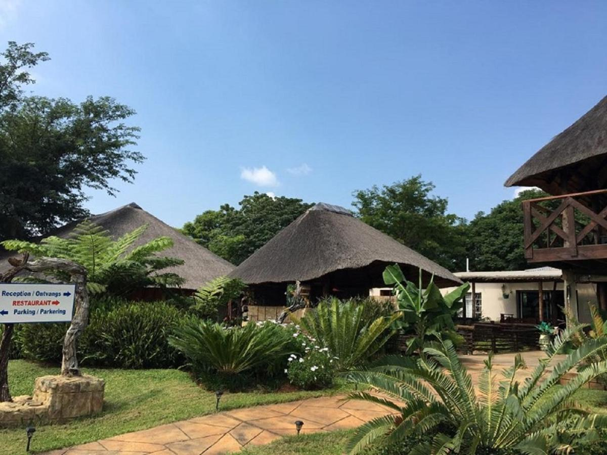 Лодж  Guinea Feather Country Lodge & Spa