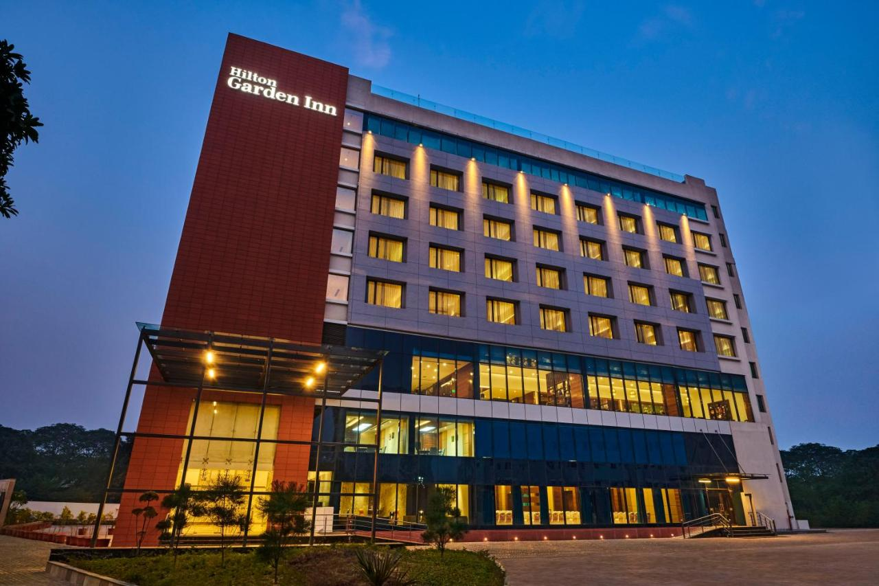 Отель  Hilton Garden Inn Lucknow  - отзывы Booking