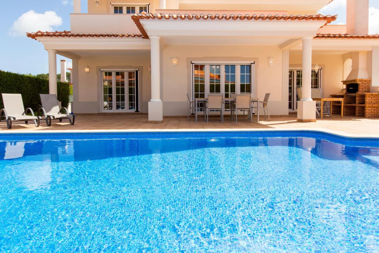 Вилла  Villa Branca - 4 Bedroom Holiday Villa With Pool & WiFi At Praia Del Rey