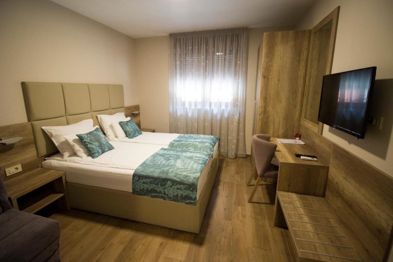 Отель типа «постель и завтрак»  Villa Divani