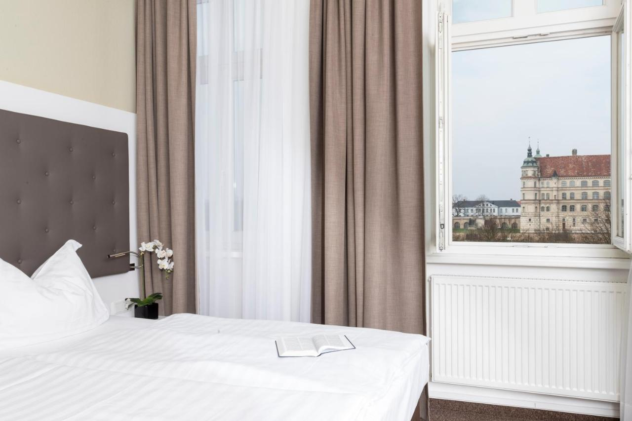 Фото  Отель  Hotel Am Schlosspark