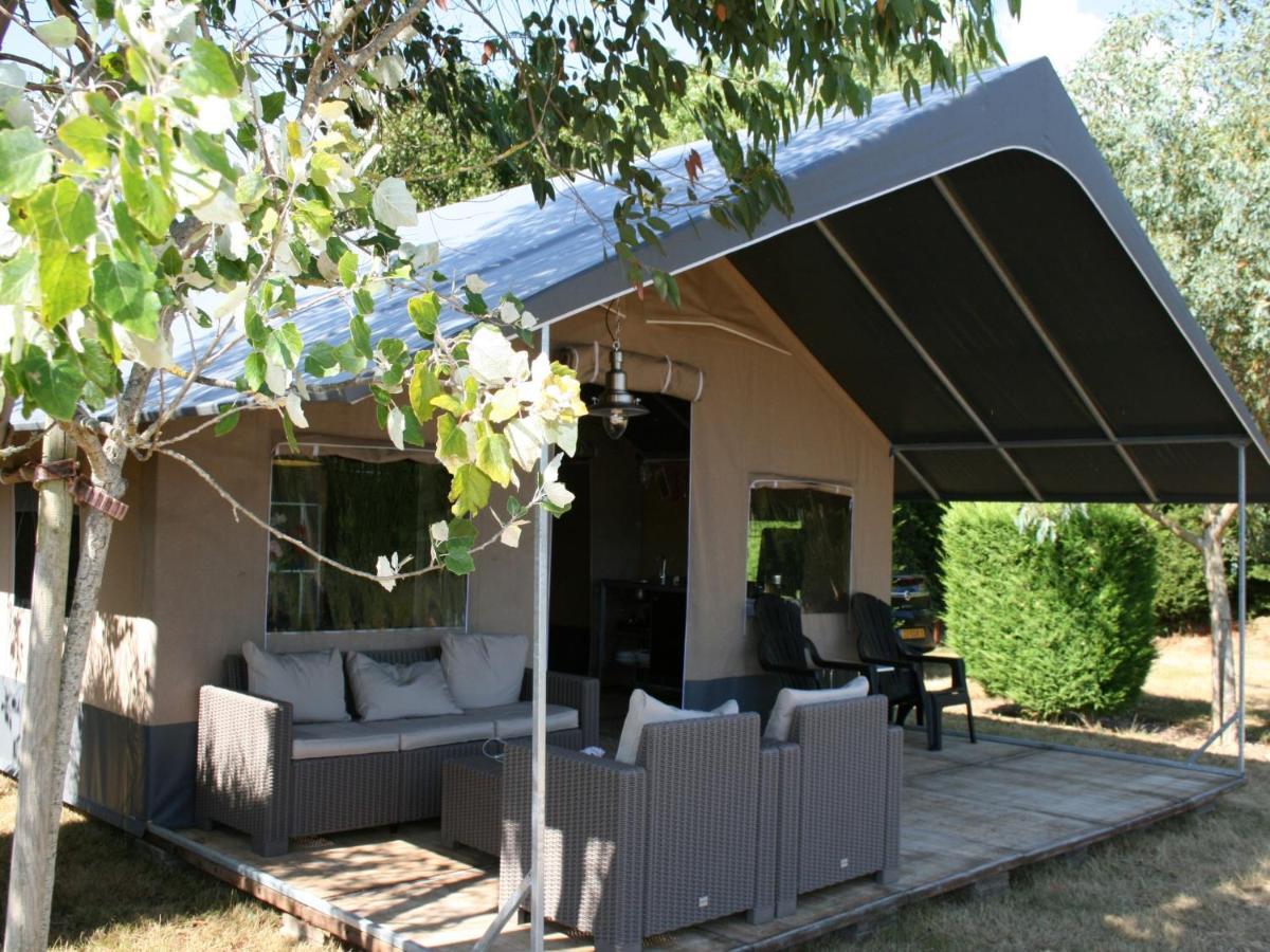 Фото  Люкс-шатер  Country Camp Camping De Kooiplaats