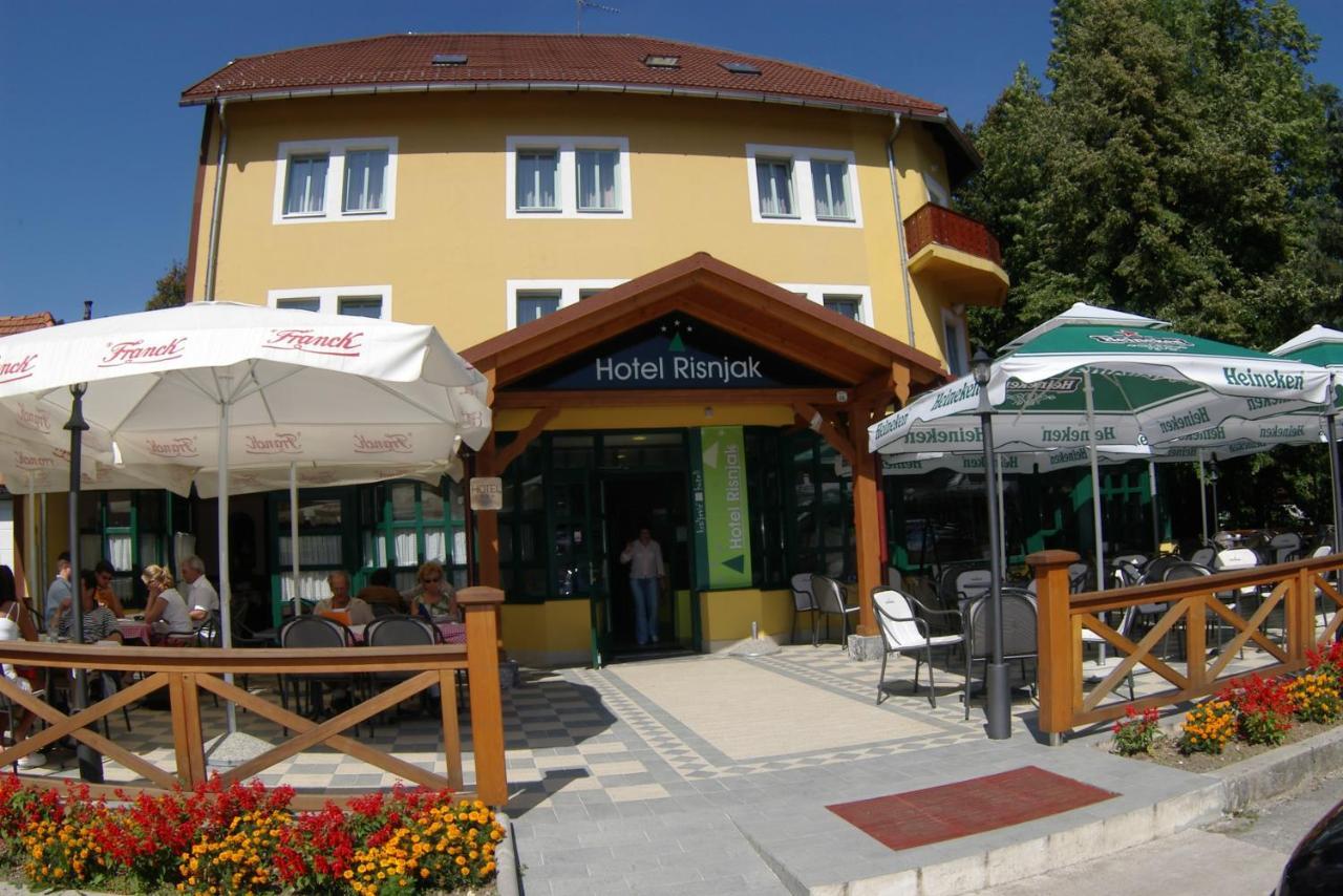 Отель  Hotel Risnjak