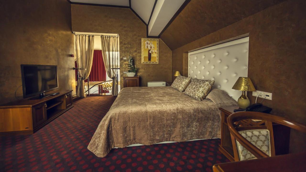 Отель  Парк-отель Голосеево  - отзывы Booking
