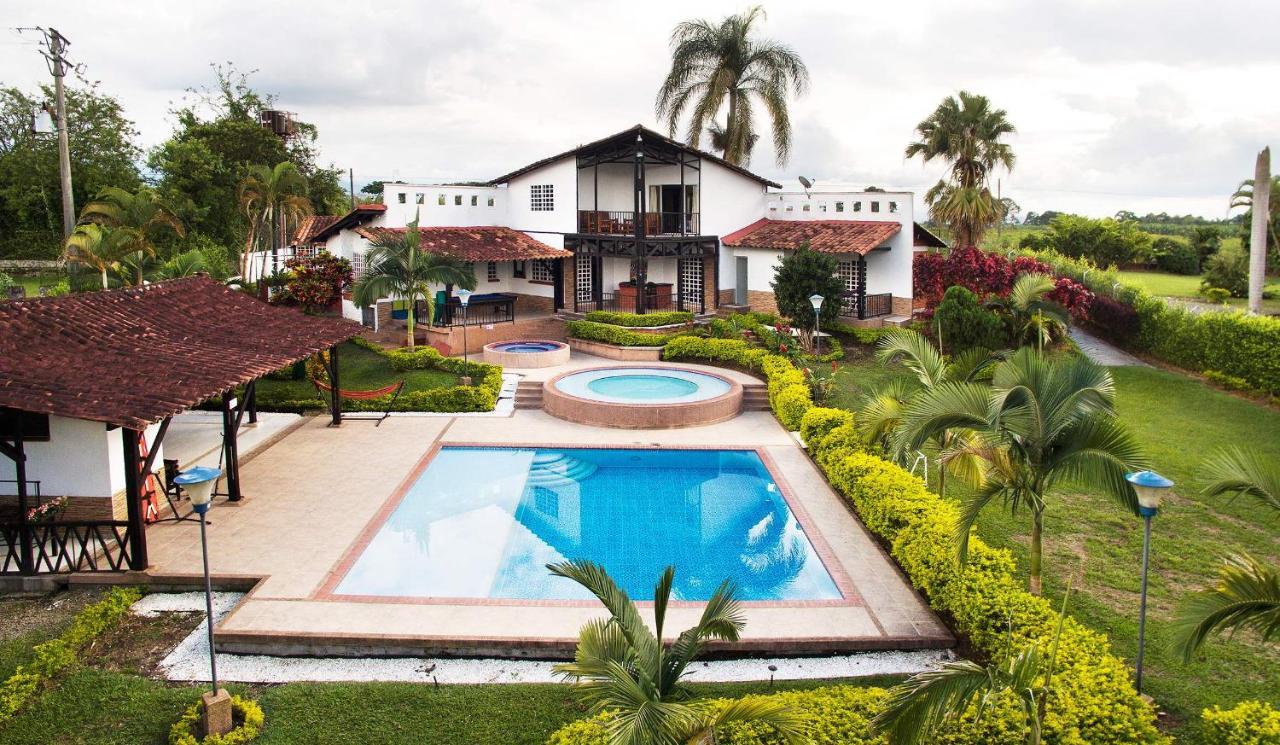 Дом для отпуска  Chalet La Masia Finca Hotel