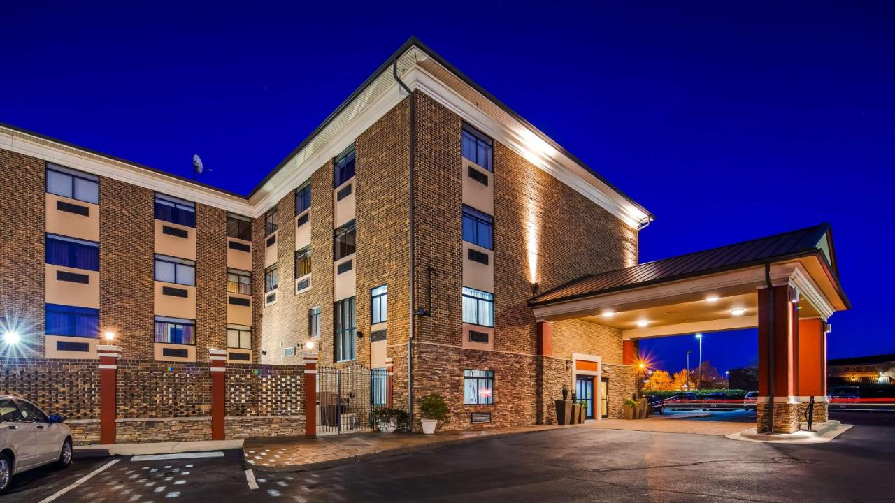 Отель  Отель  Best Western Plus Pineville-Charlotte South