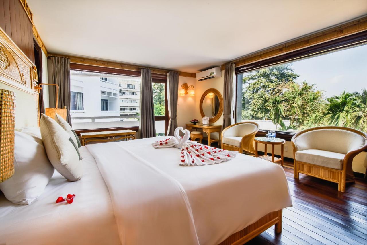 Курортный отель  Курортный отель  Huong Giang Hotel Resort & Spa