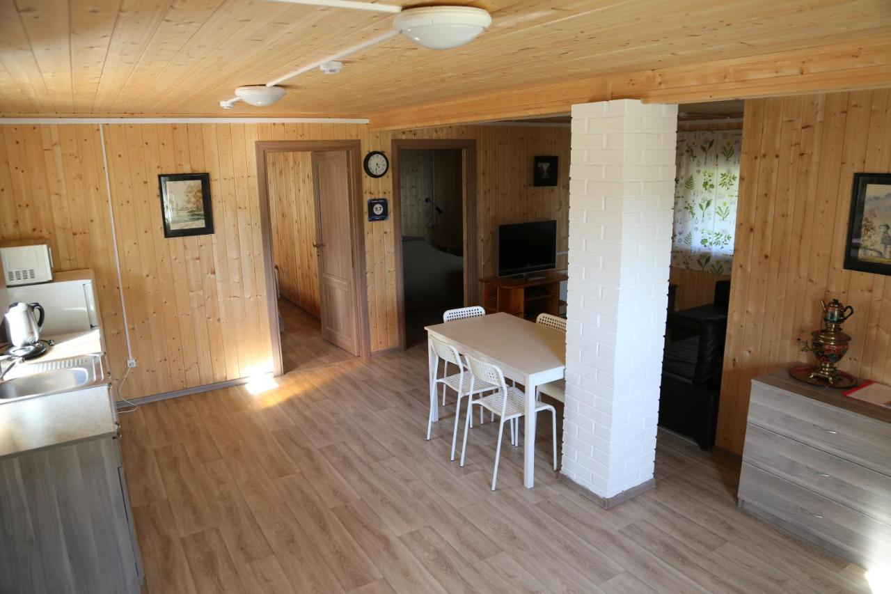 Загородный дом  Домик у Озера