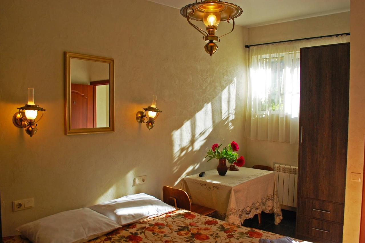 Отель  Hotel Hata