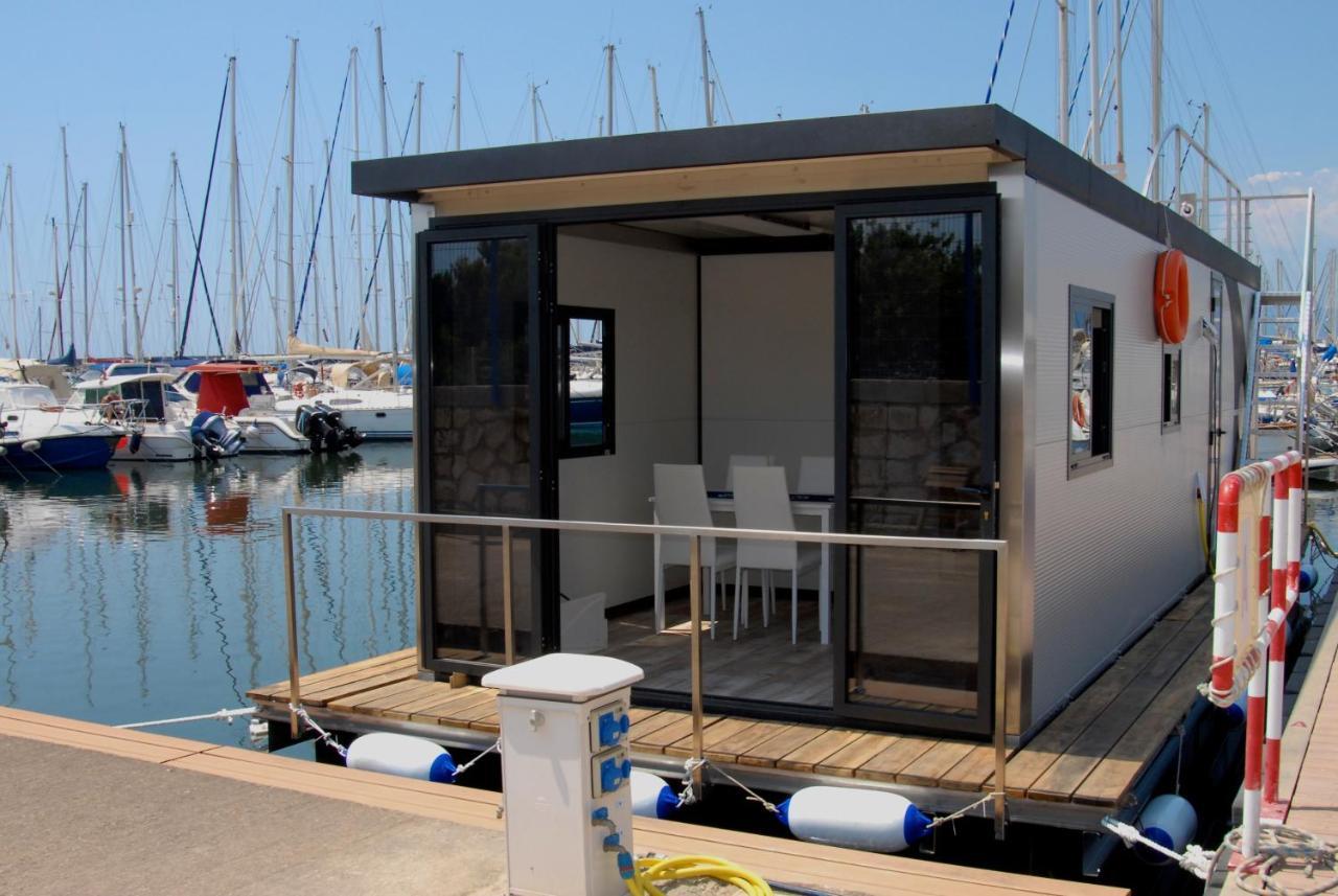 Ботель  Ботель  House Boat Luxury Cagliari