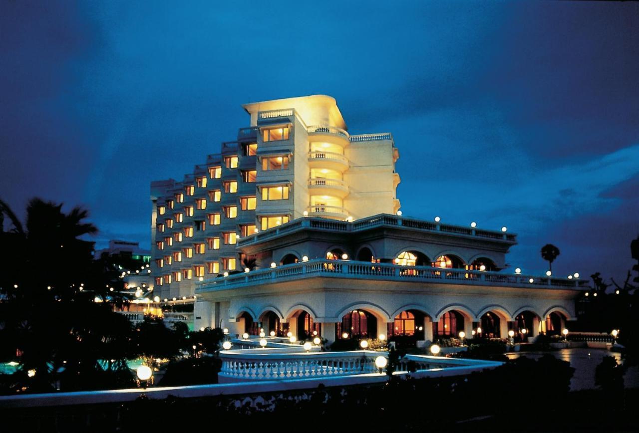 Отель The Gateway Hotel Beach Road