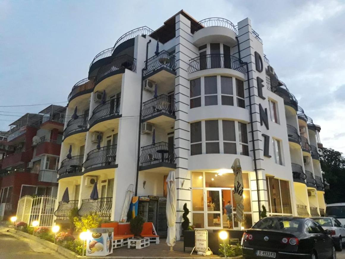 Отель  Семеен хотел Денз  - отзывы Booking