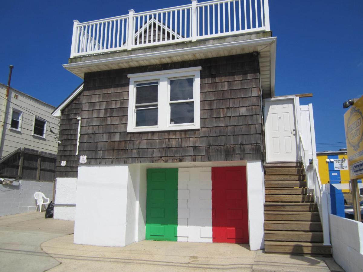 Дом для отпуска  MTV's Jersey Shore House