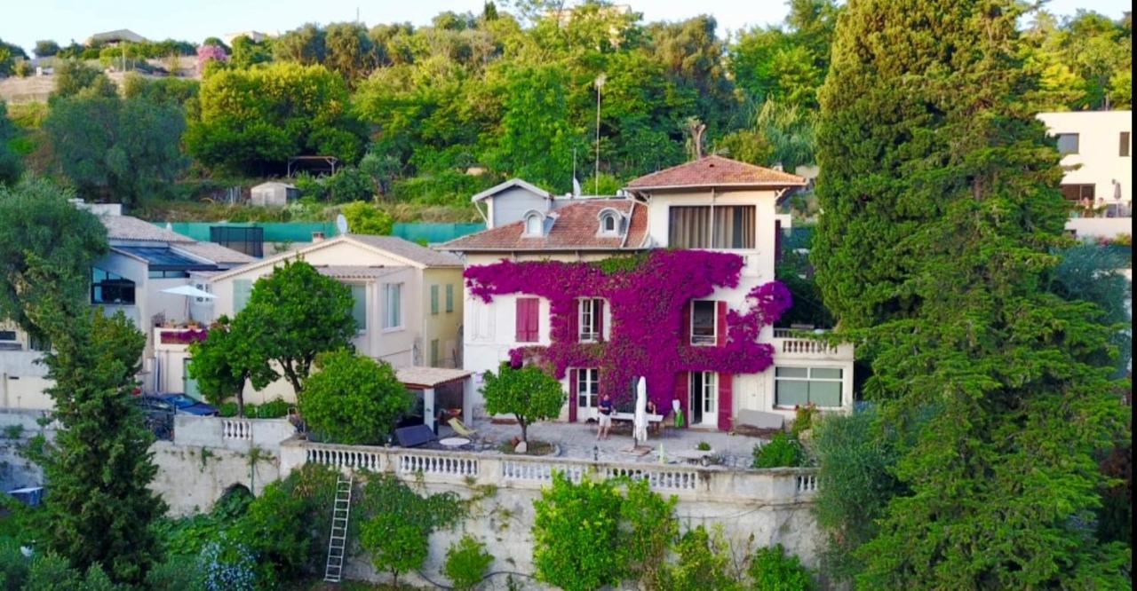 Отель типа «постель и завтрак»  Castel Enchanté